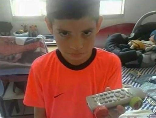 Queridos Reyes Magos: Este año me porté muy bien, por eso, les pido un coche de control remoto...