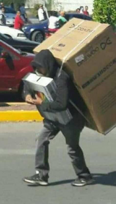 Ese día te hacen cargar tres estuches, mil cuadernos, todos los libros de texto y hasta el Atlas.