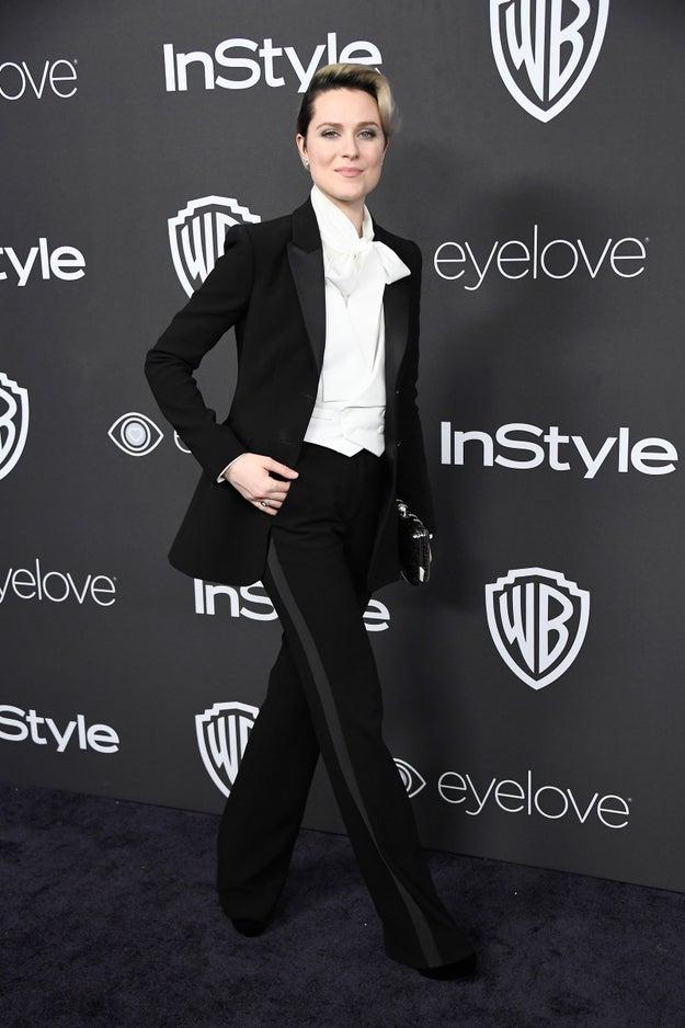 Evan Rachel Wood hizo olas en la entrega 74 de los Golden Globes al vestirse con un traje de gala que NO era un vestido.