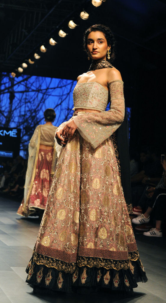 Or wear a super structured and well-fitted choli with dramatic sleeves.