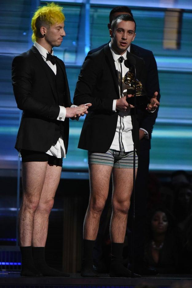 """Mejor interpretación de un dúo o grupo pop: """"Stressed Out"""" de Twenty One Pilots"""