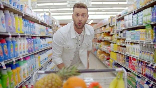 "Mejor canción escrita para un medio visual: ""Can't Stop the Feeling!"" de Justin Timberlake para Trolls"