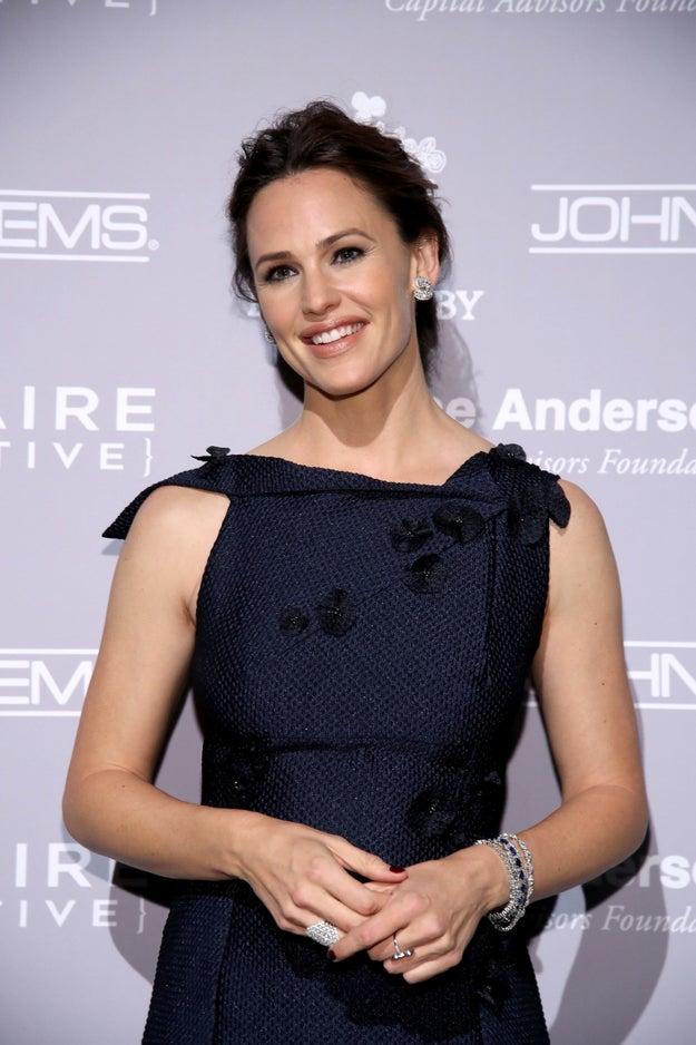 Jennifer Garner, 44