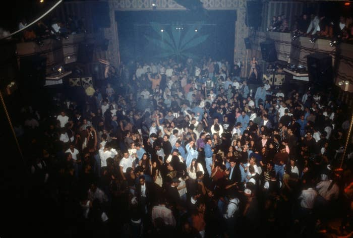 30 Photos That Show Just How Insane The '90s Club Scene