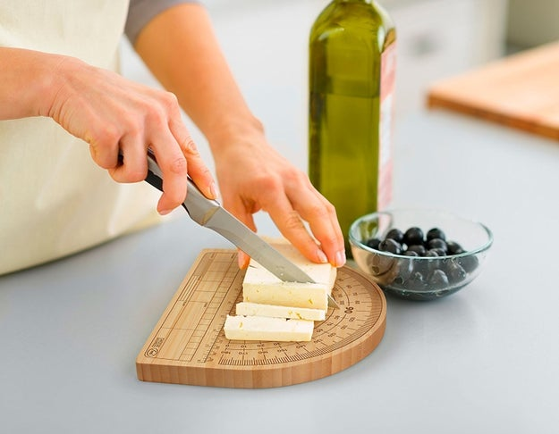 A cutting board that helps you get your slice just right.