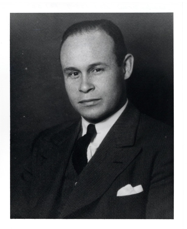 Dr. Charles Drew: the surgeon who pioneered research on blood plasma for transfusions and helped organize the first large-scale blood bank in the US.