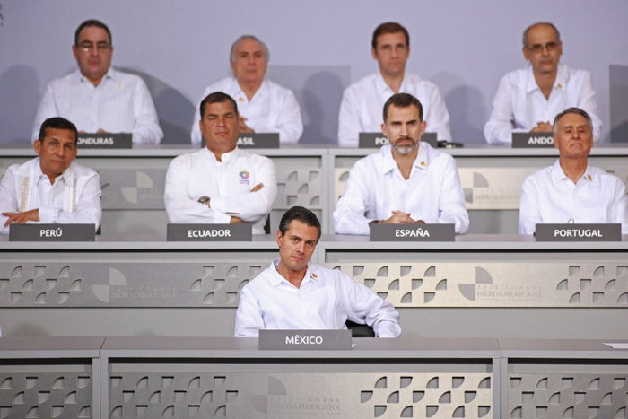 Mexico's President Enrique Pena Nieto and other leaders in 2014