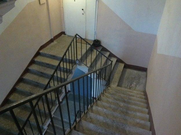 Mira, esta escalera es una metáfora de tu situación emocional.