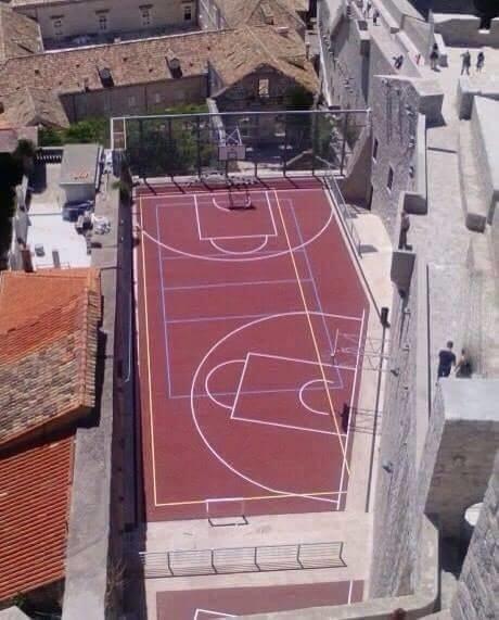 Aquí se juega el basket transdimensional.