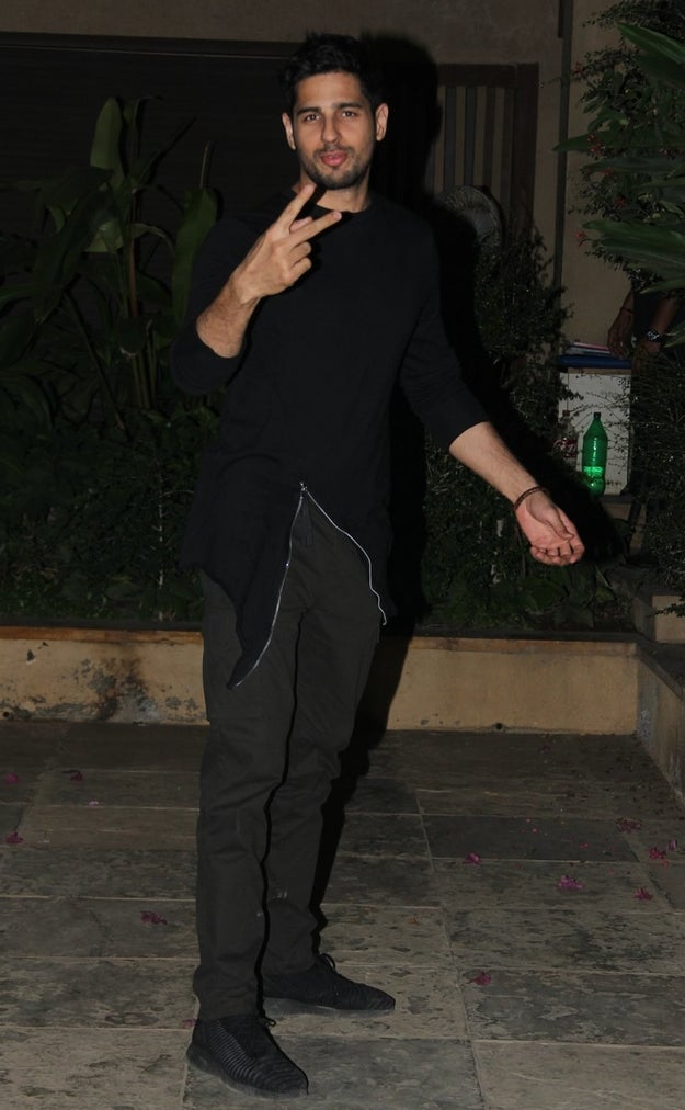 Sidharth Malhotra too, looked dapper for the party.