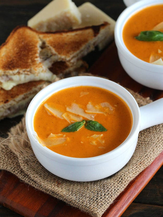 Instant Pot Tomato Soup With Roasted Tomatoes