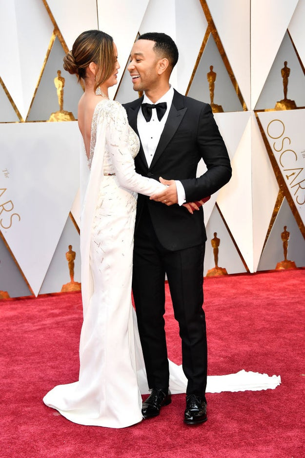 And tonight, while posing on the Oscars red carpet, they once again proved that true love DOES EXIST!