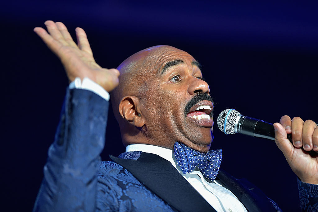 sub buzz 28817 1488201280 1?downsize=715 *&output format=auto&output quality=auto steve harvey on the oscars envelope error \