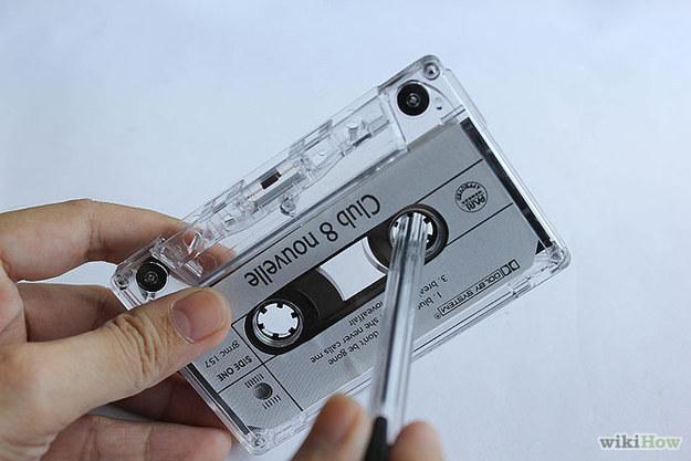 Ces objets fragiles qui contenaient toutes vos chansons préférées, et que vous deviez parfois rembobiner avec un stylo.