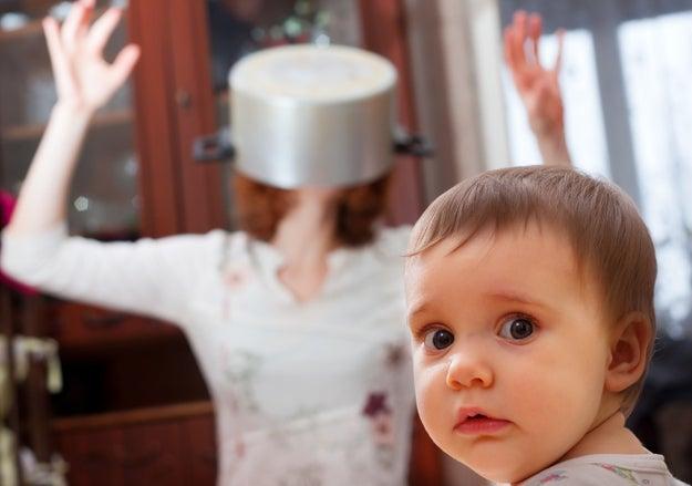 Que el hombre asuma que vas a estar encantada de tener hijos porque eres mujer.