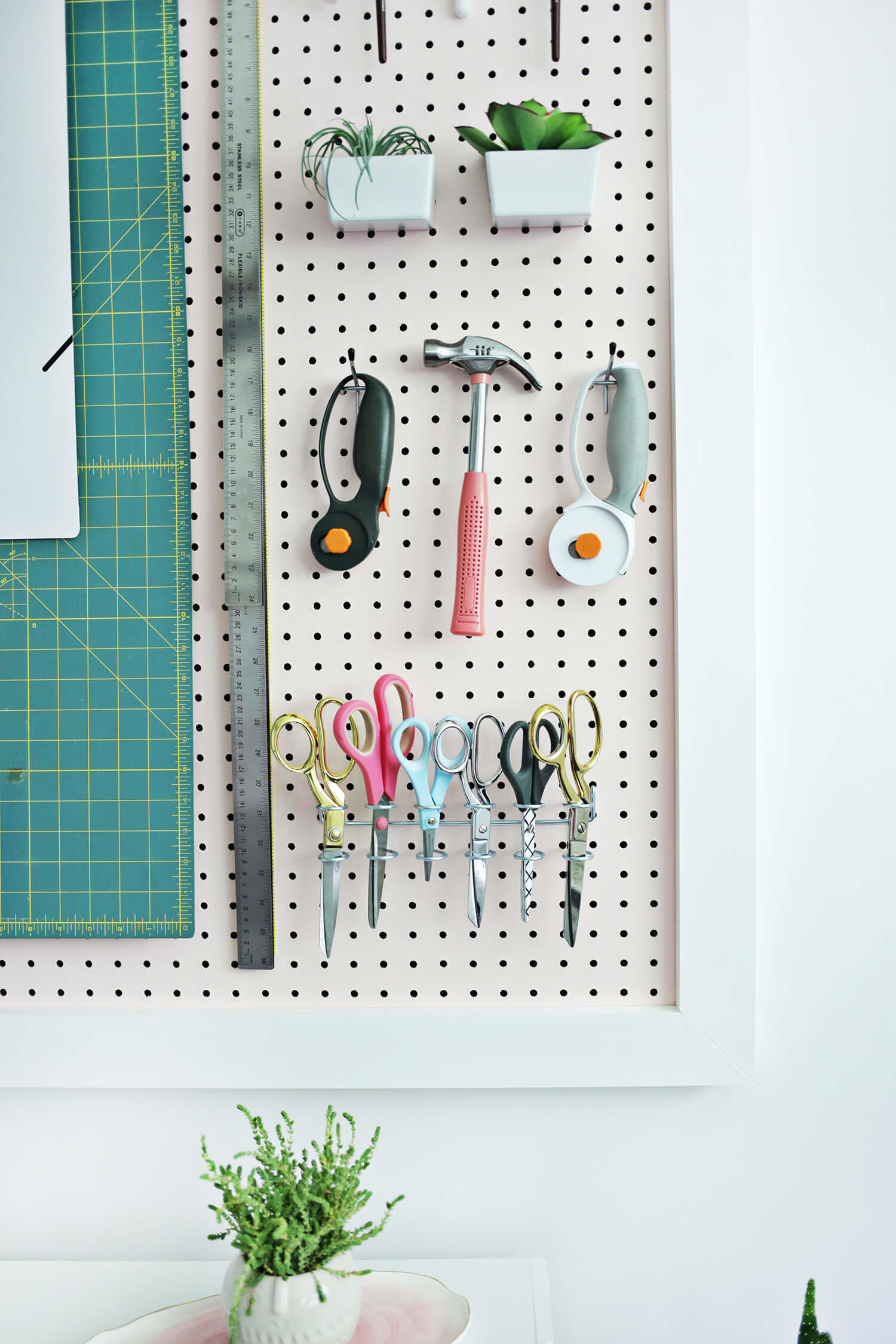 24 Ridiculously Clever Ways To Organize Your Crafting Supplies