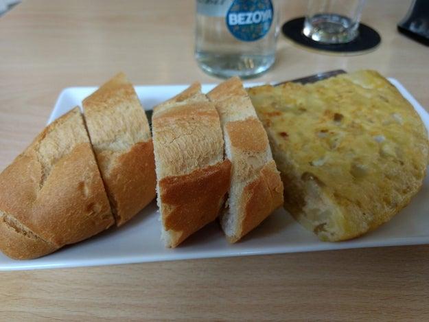 No desayunar fuerte y, aun así, no comer hasta pasadas las dos de la tarde.
