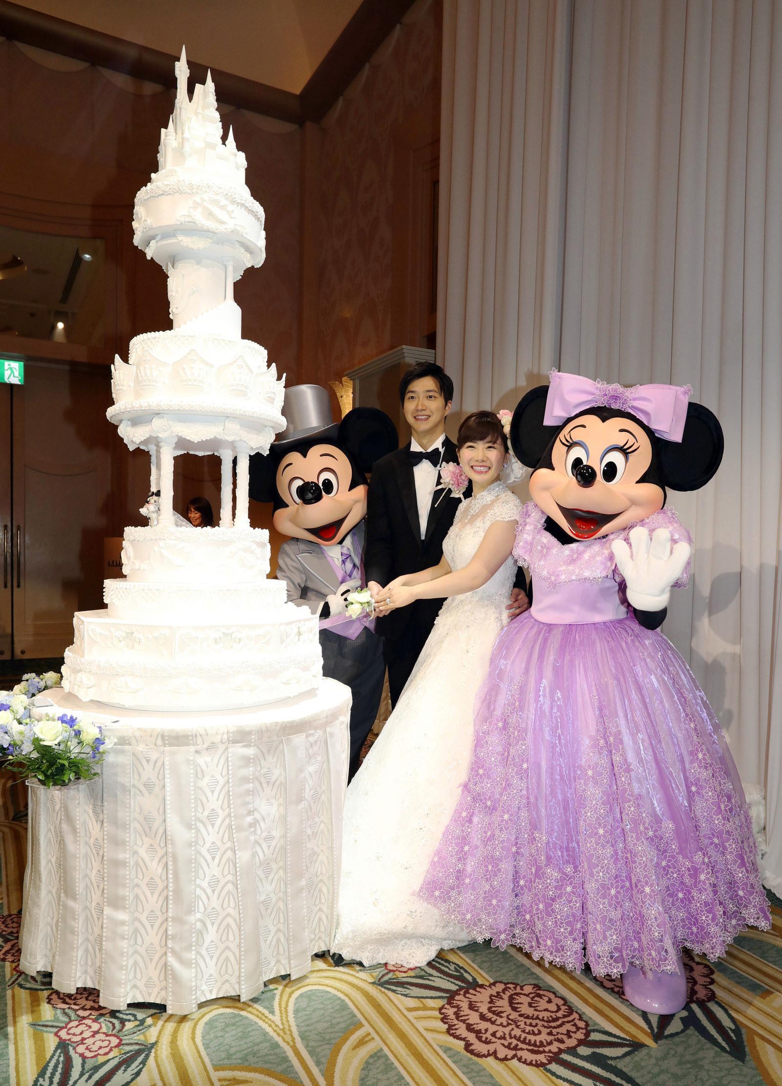 また幸せそうな福原愛さんの姿 でも なんで何度も結婚写真を撮ってるの