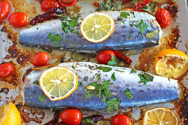 12 delicious and easy ways to cook fish for dinner for Ways to cook fish