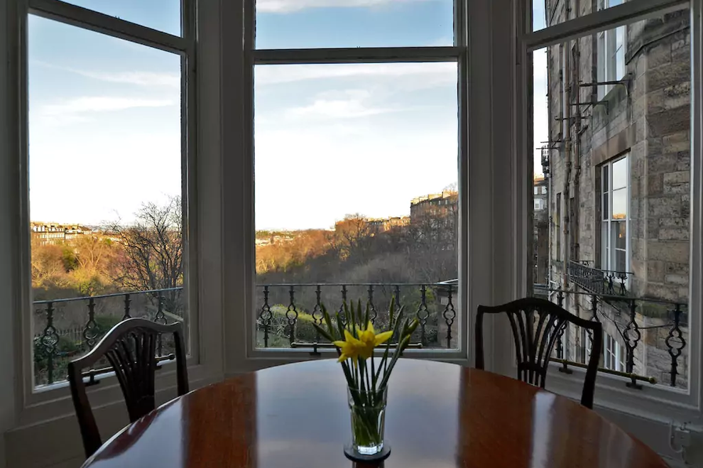 This grand Edinburgh apartment.