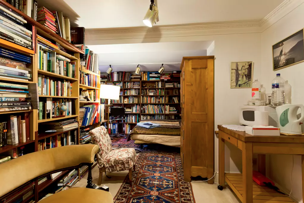 This Library Bedroom In London.