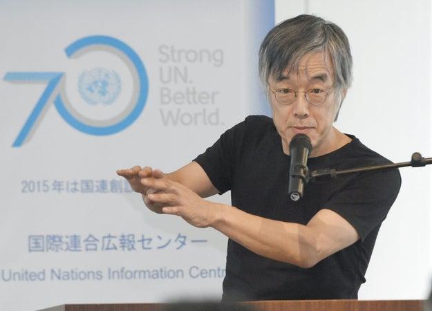良くわからない言葉が多いですよね。小説家の高橋源一郎さんも「いま話題の教育勅語」を読んだといい、「意味がよくわからない。なので、一時間ほどかけて、訳してみました」と、自らの現代語訳を公開しています。