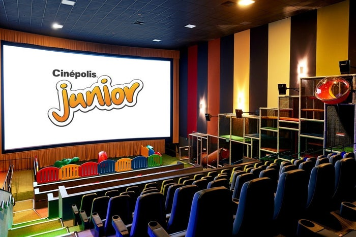 These junior auditoriums just opened at Cinépolis Pico Rivera in Los Angeles and Cinépolis Vista in San Diego. The auditoriums are new in the United States, but Cinépolis has operated them internationally since 2014.