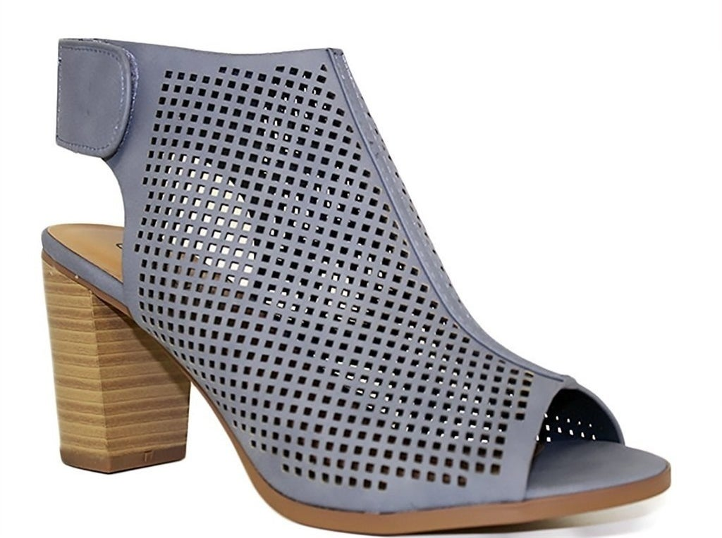 252561947b698 31 Inexpensive Shoes You ll Want To Buy ASAP