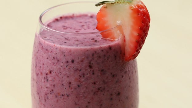 Breakfast: Berry Smoothie