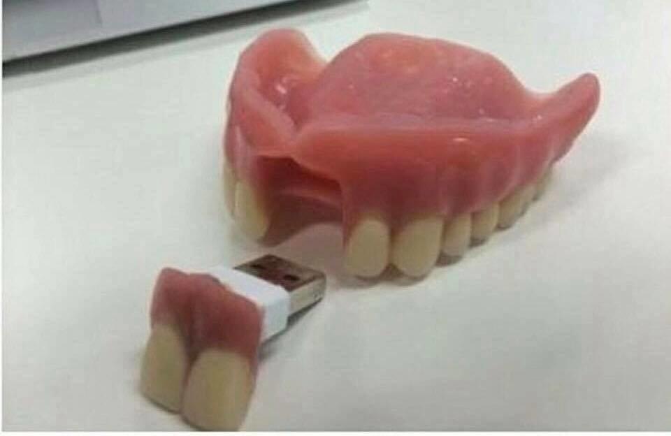 USB Bisa Ketelan....Kreatif atau Menjijikan?