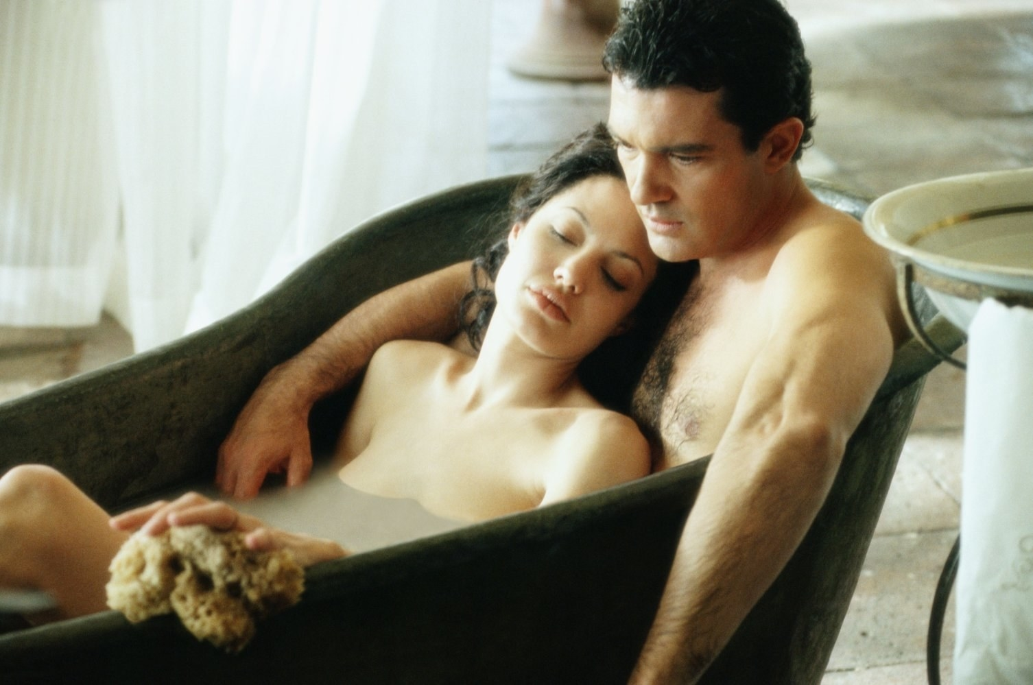 15 filmes e séries da Netflix com cenas de sexo melhores que as da vida real