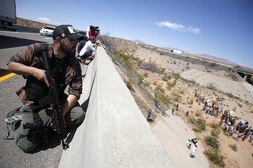 buzzfeed.com - FBI Agents Posed As Filmmakers To Interview Armed Militia In Dramatic Standoff