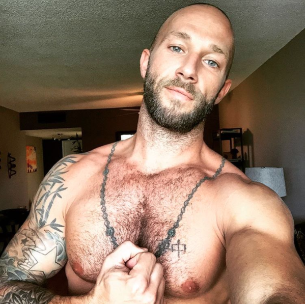 Amazing and sexy men shows himself