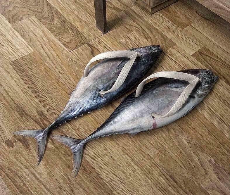 Sandal Jepit atau ikan ? coba tebak....