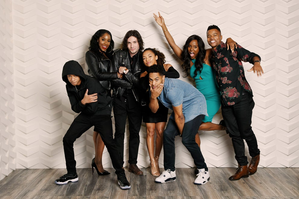 Dear White People stars DeRon Horton, Ashley Blaine Featherson, John Patrick Amedori, Logan Browning, Brandon P. Bell, Antoinette Robertson, and Marque Richardson