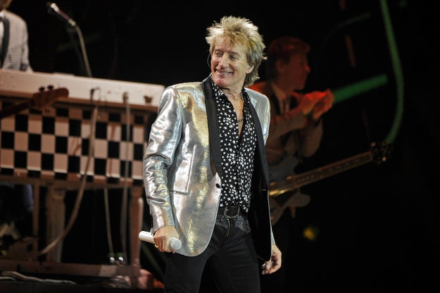 Rod Stewart apologized Friday after a video of him staging a mock beheading in the Abu Dhabi desert — which many thought was evocative of ISIS executions — drew outrage.