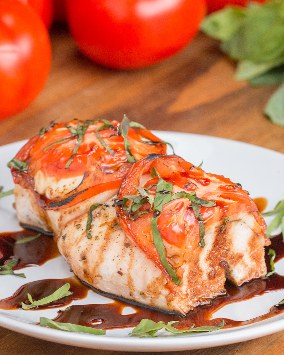 This Tomato, Basil, & Mozzarella Chicken Is Literally To Die For