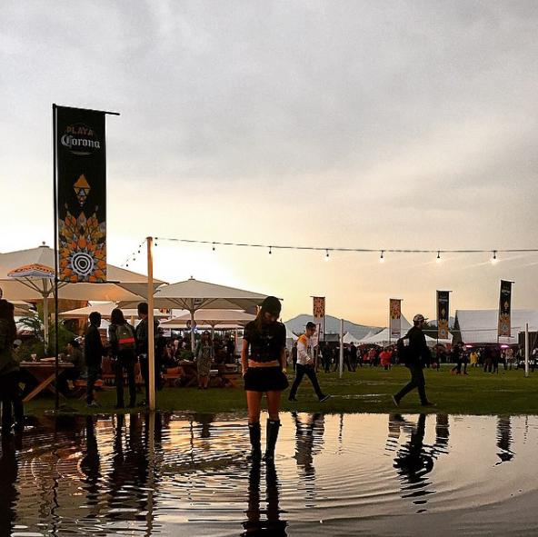 """""""Lleva botas de lluvia porque los años que ha llovido son arenas movedizas combinadas con canales de agua tipo Xochimilco"""". - Anna, 65 años"""