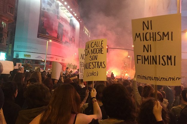 Los 22 Mejores Carteles De Las Marchas Feministas Del Día