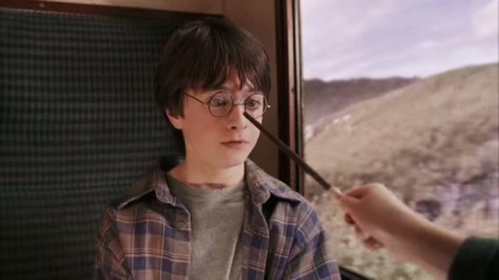 '¿Por qué Hermione solo arregló las gafas de Harry en lugar de corregirle la vista?'—v470ffd68c