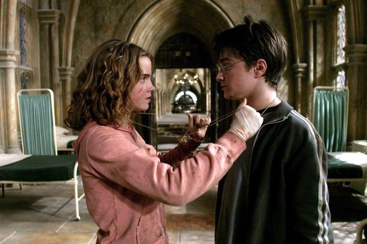 'Si tengo que elegir sinceramente un momento, tengo que decir el hecho de que Harry y Hermione no usen el Giratiempo para detener a Peter. Al llegar a este punto ya han infringido un millón de normas; ¿qué les impedía romper esta? Aparte de la trama, conmigo no funcionó'.—lexithegreatest8888