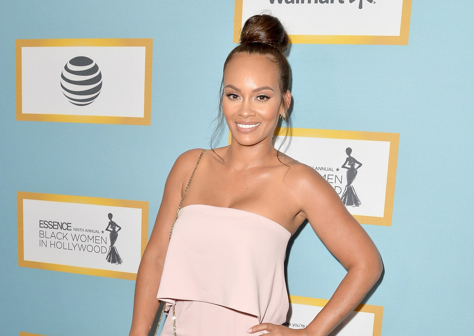 The reality TV gods have truly blessed us, because Evelyn Lozada is officially back on VH1's Basketball Wives.