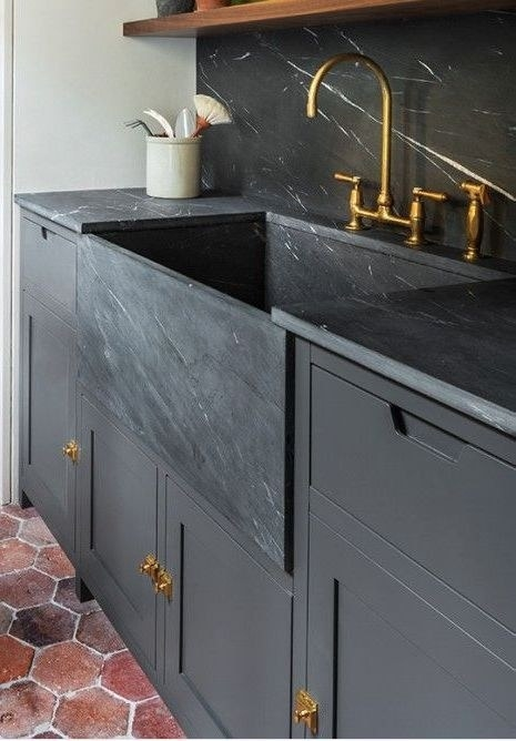 This gorgeous farmhouse sink that taught me what Kendall charcoal is and that I need it in my tiny apartment.