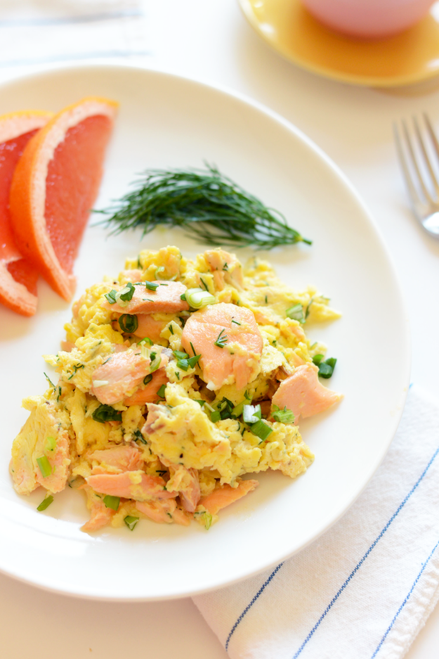 how to make scrambled eggs for one person