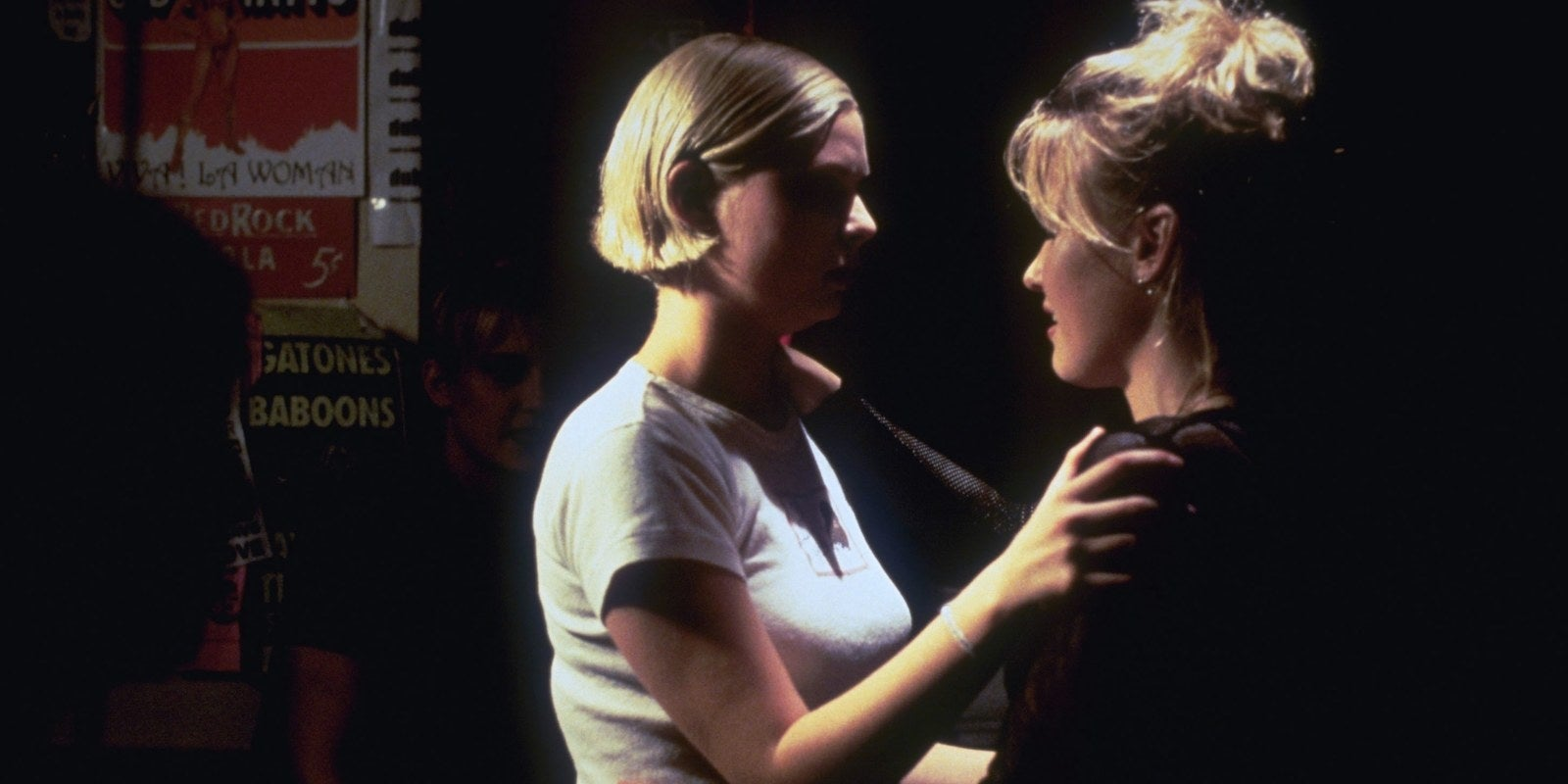 """3 Lesbians Tongue Kissing looking back at the sexual politics of """"chasing amy"""" 20"""