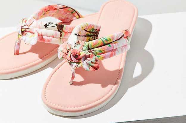 c8c7b3f52a83 29 Awesome And Inexpensive Sandals You ll Want To Buy ASAP