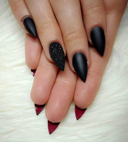 If You Love To Wear Black, Then These 17 Nail Looks Are For You