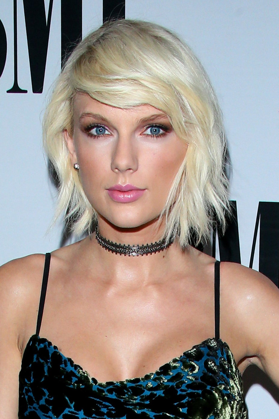 People In China Have Come Up With A Batshit Theory That Taylor Swift Is Dating A Chinese Millionaire