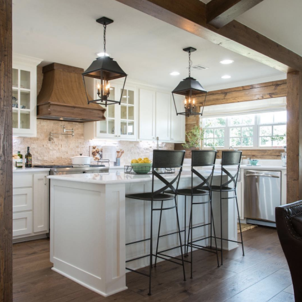 "16 ""Fixer Upper"" Kitchens That Will Make You Want To Move"