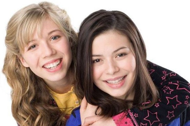 """Carly And Sam From """"iCarly"""" Are Still Best Friends IRL And It's Beautiful"""